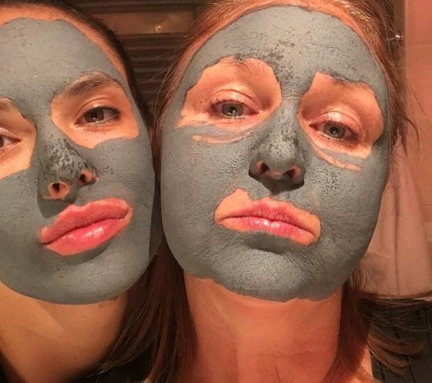 Alessandra Ambrosio e a amiga Christy Coleman (Foto: Reprodução/Instagram)