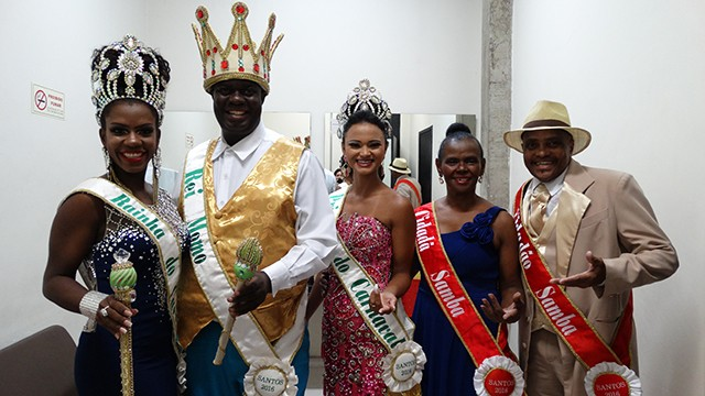 Corte Carnavalesca Santista 2016 se preparando para a entrega do Prêmio Estandarte Santista (Foto: Priscila Martinez)