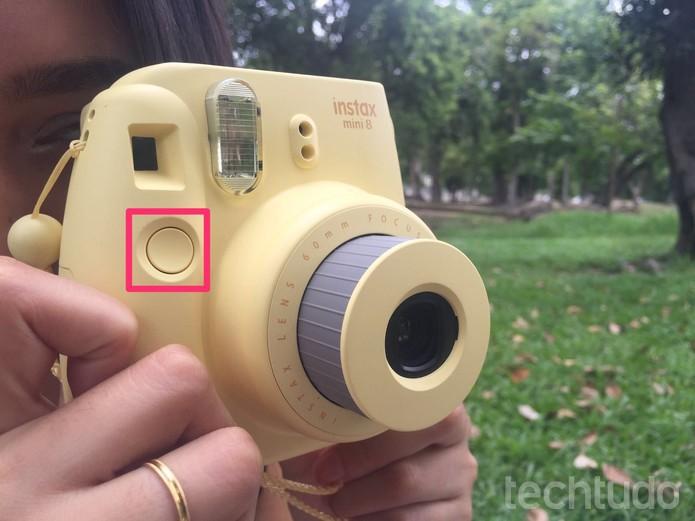Botão frontal da câmera serve para tirar as fotos (Foto: Lucas Mendes/TechTudo)