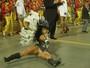 Ex-BBB Fabiana Teixeira mostra demais em desfile: 'Chocada'