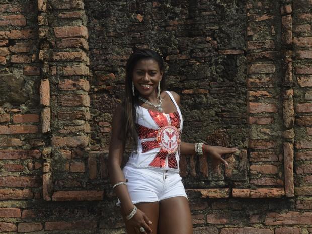 Silvania Ramos é professora e estuda Artes Visuais na Unifap (Foto: Dyepeson Martins/G1)