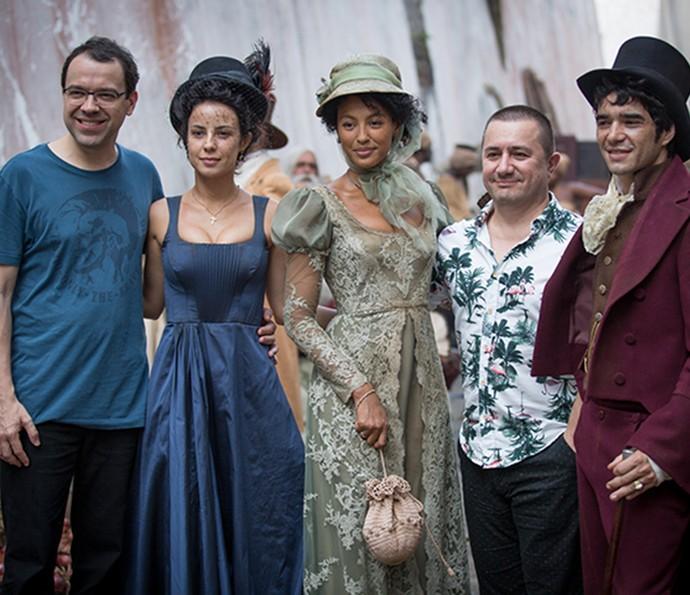 O autor Maria Teixeira (E) com Andreia Horta, Sheron Menezzes e Caio Blat (Foto: Fabiano Battaglin/Gshow)