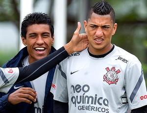 Paulinho e Ralf no treino do Corinthians paulinho ralf (Foto: Ag. Estado)