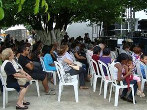 Missa e apresentações acontecem próximos a pé de juazeiro (Foto: Maria Ilaide Carvalho de Souza/Arquivo pessoal)