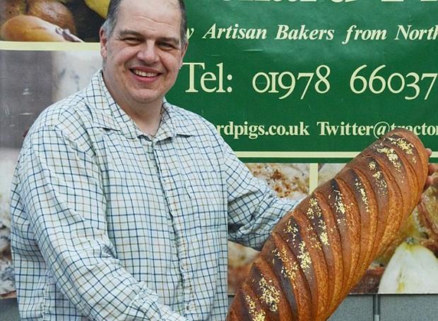Robert Didier e seu pão de ouro (Foto: Divulgação)