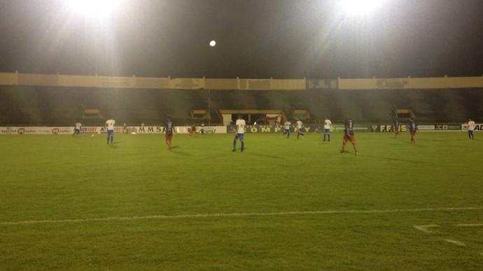 Sete de Dourados x Urso no estádio Douradão (Foto: Diogo Nolasco/TV Morena)
