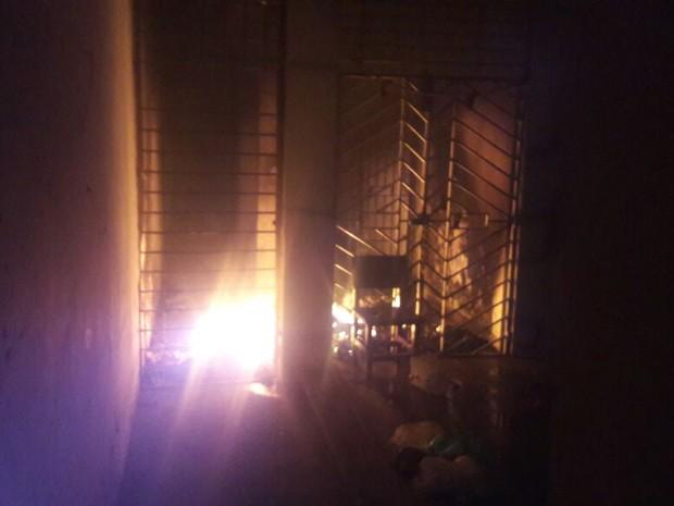 Incêndio atingiu o pavilhão cinco da Funase de Garanhuns durante a rebelião (Foto: Divulgação/Polícia Militar)