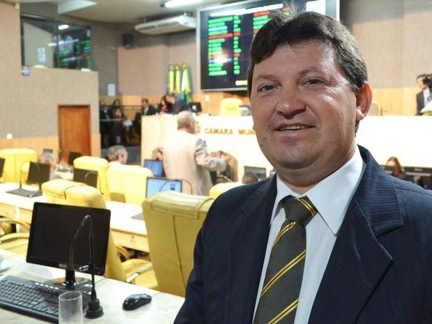 Agnaldo Feitosa diz que vereadora se excedeu e mesa diretora foi omissa (Foto: Marina Fontenele/G1)