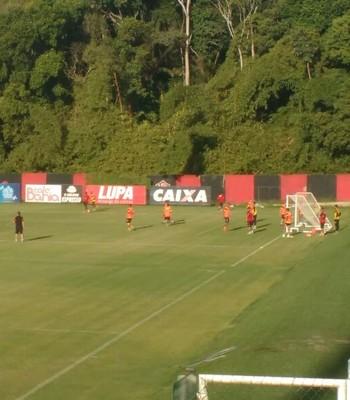 Elenco do Vitória treina na Toca do Leão (Foto: Thiago Pereira)