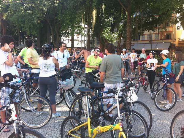 Concentração aconteceu no Largo do Machado (Foto: Christiano Ferreira / G1)