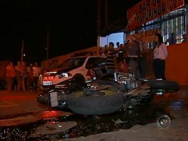 Dono de moto roubada perseguiu os assaltantes (Foto: Reprodução / TV Tem)