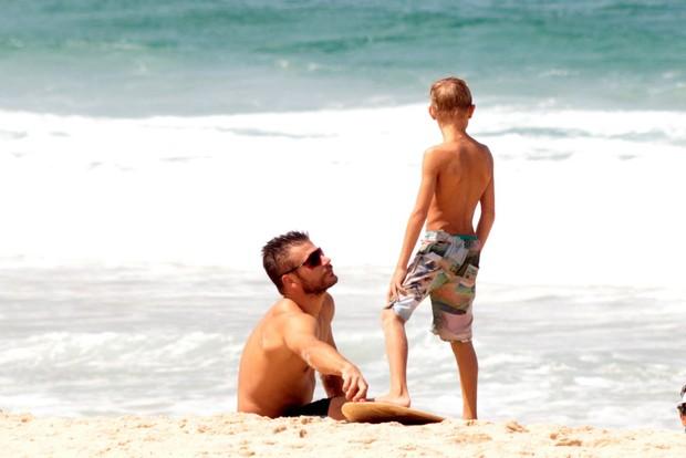 Rodrigo Hilbert e o filho (Foto: AgNews / AgNews)