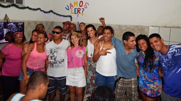 Renata Santos na Festa de Natal Casa Lar Mangueira (Foto: Divulgação/ Leonardo Eiras)