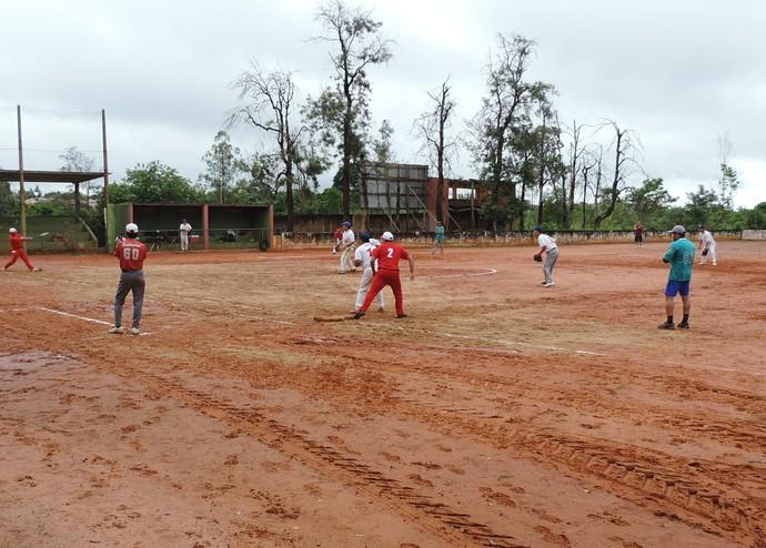 Torneio Brasileiro Interclubes de Softbol Master reúne gerações em Prudente (Foto: Kawanny Barros / GloboEsporte.com)