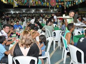 Festa homenageia o povo nordestino que povoou Mojuí dos Campos. Última noite teve exposições sobre a cultura nordestina, peculiaridades de Mojuí e show da banda Calcinha Preta. (Foto: Zé Rodrigues/TV Tapajós)