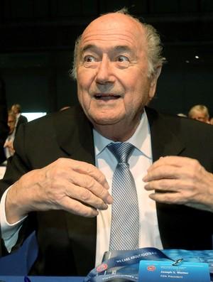 Joseph Blatter Congresso UEFA em Viena (Foto: AP)