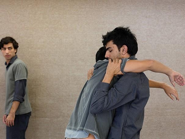 Esse é o primeiro espetáculo da Companhia Aberta, formada por Davi e Daniel (Foto: Anna Clara Carvalho)