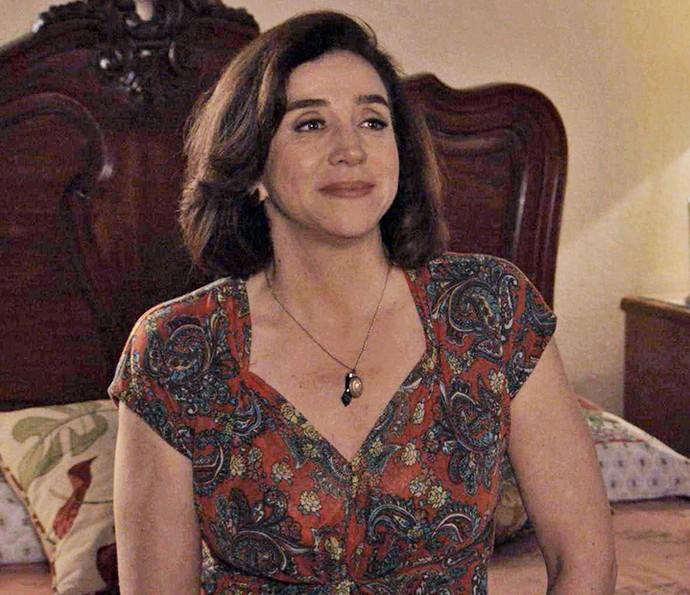 Francesca aconselha e troca confidências com a filha (Foto: TV Globo)