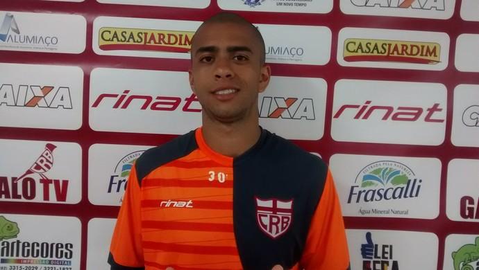 André Vinícius, zagueiro do CRB (Foto: Denison Roma/GloboEsporte.com)