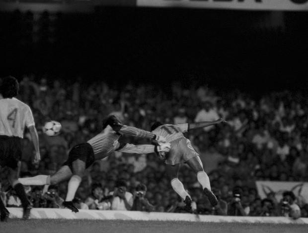 Romario Gol Brasil x Uruguai Copa América 1989 (Foto: Rolando de Freitas/Agência Estado)