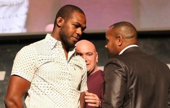 Jon Jones volta ao octógono contra Daniel Cormier, no UFC 197, em abril