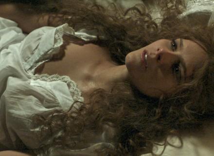 'Ligações Perigosas' estreia com cenas quentes de Isabella Santoni