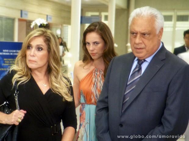 César põe a culpa em Félix (Foto: Amor à Vida / TV Globo)