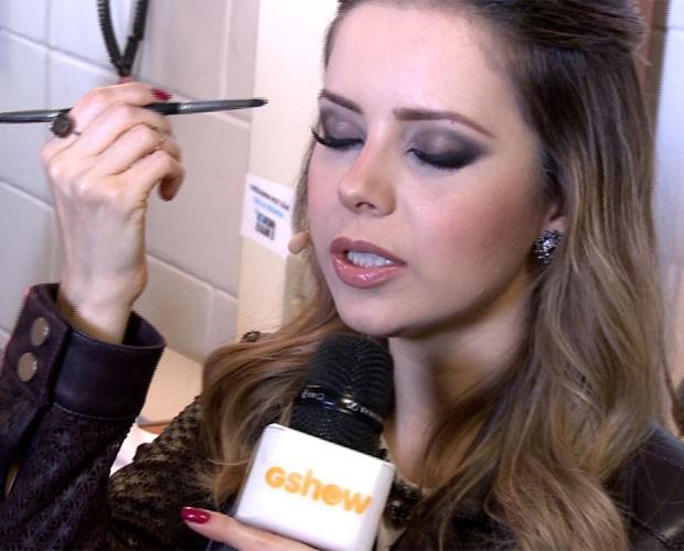 Sandy dá dica para olhos: curvex e muita máscara! (Foto: Gshow/TV Globo)