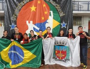 Equipe de kickboxing, em Cubatão (Foto: Divulgação / Prefeitura Municipal de Cubatão)