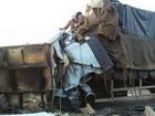 Colisão entre dois caminhões deixa dois mortos na BR-153 em SC