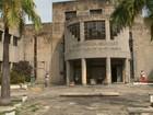 Comerciantes reclamam da demora na reforma da antiga sede da Seduc