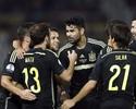 Diego Costa passa em branco, mas gol sem querer garante vitória da Espanha