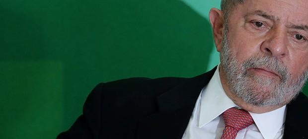 Lula toma posse como novo ministro da Casa Civil (Foto: AP Photo/Eraldo Peres)