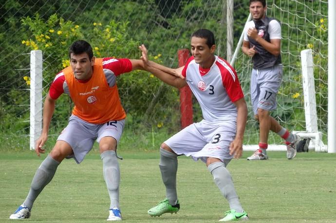 William Alves Náutico treino (Foto: Daniel Gomes)