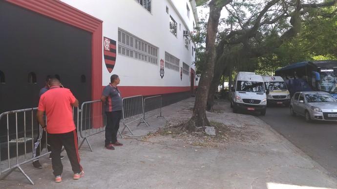 Bilheteria da Gávea completamente vazia na manhã desta sexta-feira (Foto: Vicente Seda)