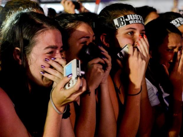 Fã chora durante a apresentação de Justin Bieber em São Paulo (Foto: Flávio Moraes/G1)