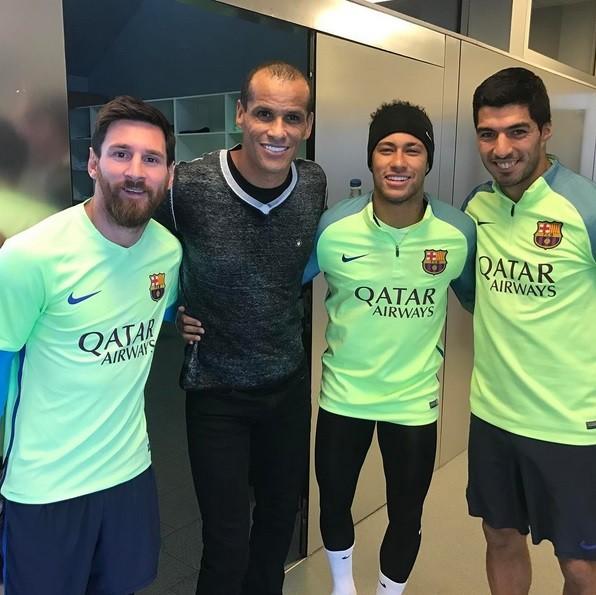 """BLOG: Rivaldo visita o Barça e """"cria"""" o quarteto MRNS com Messi, Neymar e Suárez"""