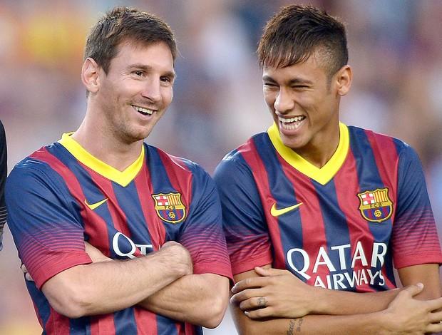 Messi e Neymar jogo Barcelona e Santos (Foto: AP)