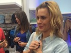 'Só durmo pelada', conta Carolina Dieckmann em abertura de loja