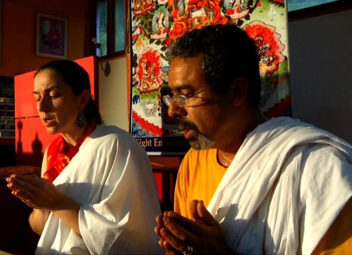 No caminho para a Pedra Selada, o 'Revista' conheceu um Templo Budista (Foto: Rio Sul Revista)