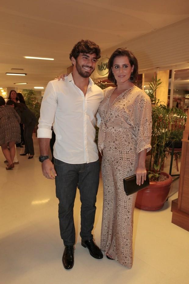 Deborah secco e hugo Moura (Foto: Isac Luz / EGO)