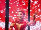 Rainhas de bateria capricham nos looks para gravar vinheta de carnaval