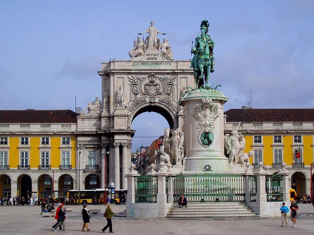 Terreiro do Paço, na Baixa Pombalina em Lisboa, Portugal (Foto: Lee Cannon/Wikipédia)