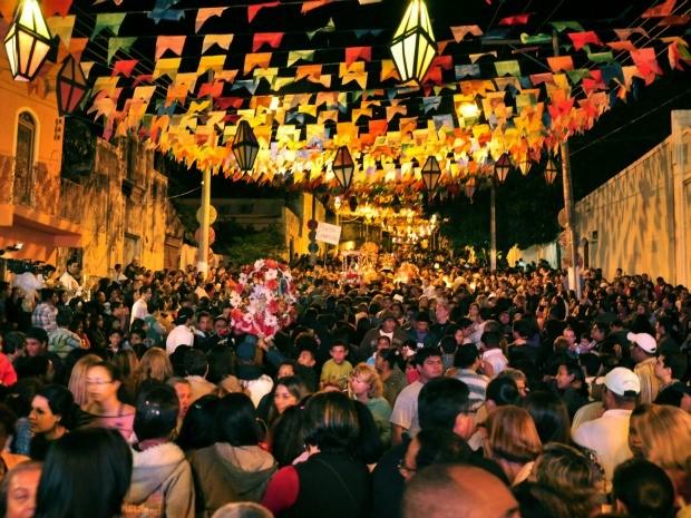 Cerca de 100 famílias de festeiros devem partcipar do tradicional  Banho de Santo Antônio neste ano (Foto: Hélènemarie  Dias Fernandes/ Divulgação)