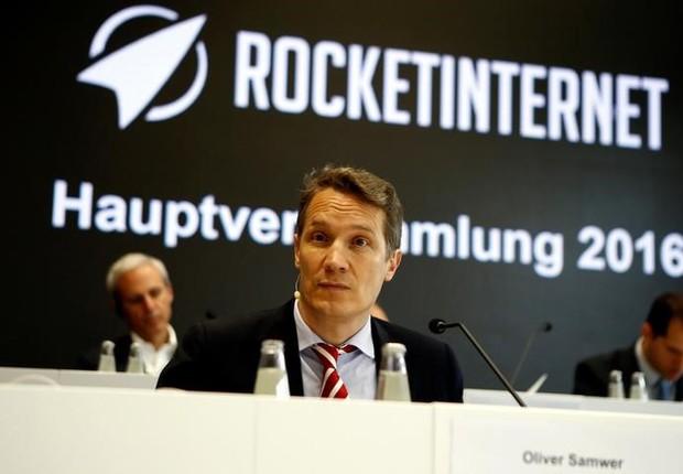 Oliver Samwer, presidente executivo da Rocket, fala em reunião geral anual da empresa (Foto: Axel Schmidt/Reuters)