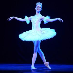 Bailarina ganha bolsa de escola da Alemanha (Nilson Bastian/Divulgação)
