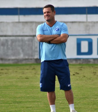 Técnico Ito Roque Taubaté (Foto: Filipe Rodrigues)