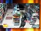 Câmeras de segurança flagram assalto (Reprodução/TV TEM)