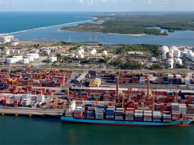 Complexo Industrial e Portuário de Suape tem 13,5 mil hectares (Foto: Daniela Nader / Porto de Suape)