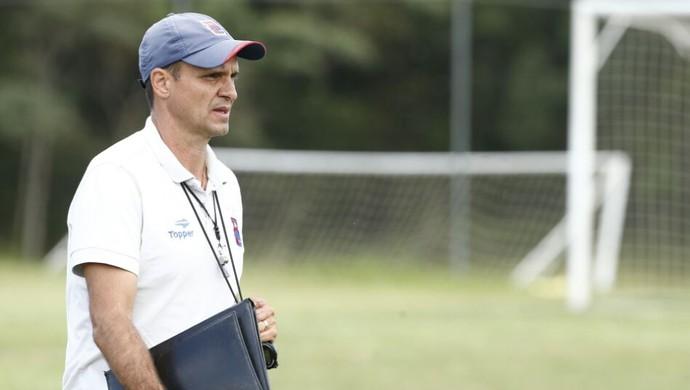 Wagner Lopes, técnico, Paraná (Foto: Hugo Harada/Gazeta do Povo)